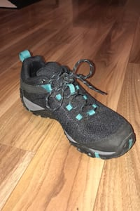 NEW Merrell hiking shoes original price is $110 New Westminster, V3L 3H6
