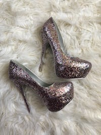 Glitter pumps  Columbia, 21045