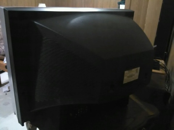 Free TV -pick up only -working condition  8c7c851c-d8f4-4aa5-ae57-cadea1d270aa