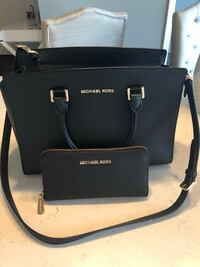 Michael Kors Purse Set Chicago, 60654