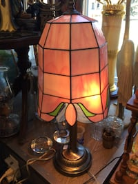 Pink Stained Glass Lamp Welland