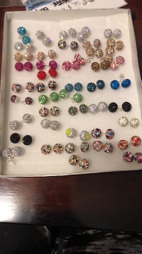 assorted pairs of earrings lot Reno, 89502