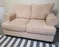 2 Seater Couch Ajax, L1Z 1J6