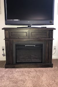 Electric fireplace.   Works great.  Clinton, 84015