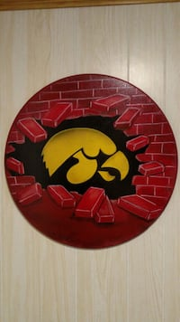 round red and black wall decor Omaha, 68114