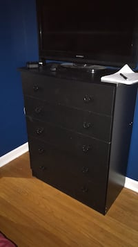Black wooden 5-drawer chest Smithville, L0R