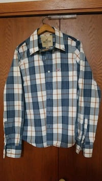 Hollister button up long-sleeved plaid