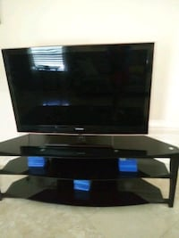 60 inc TV stand new
