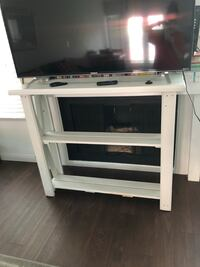 TV stand with shelf Bakersfield, 93309