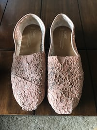 Size 7.5 Rose gold toms Fountain, 80817