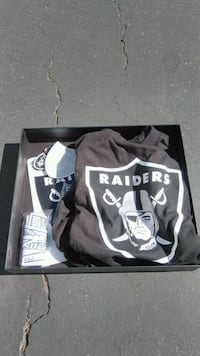 Raiders Collectible Gift Box w/extras  Mountain View
