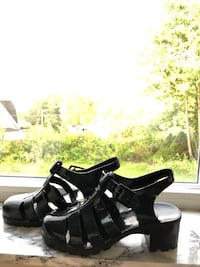 American Apparel Jelly sandals