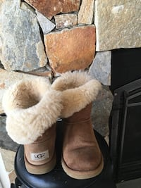 Brown ugg fur lined winter boots Stafford, 22556