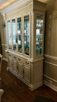 white wooden cabinet ,dining table and 6 chairs  Missouri City, 77459