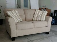 2yr old Slumberland loveseat couch Des Moines, 50309