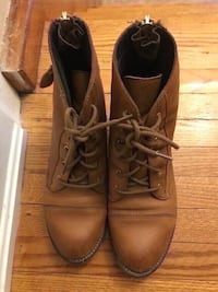Aldo leather boots size 8 Toronto, M9M 2T1