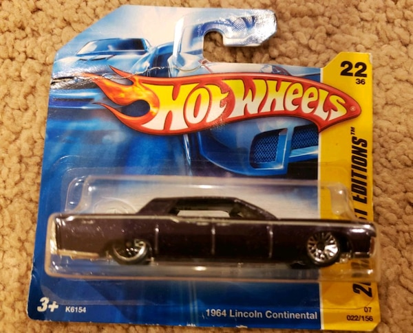 Hot Wheels 1964 Lincoln Continental collectible car