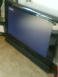 "48"" HD TV W/ SoundBar Fairfax, 22031"