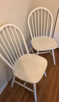 two white wooden windsor chairs Waldorf, 20602