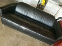 Luxurious leather couch  2263 mi