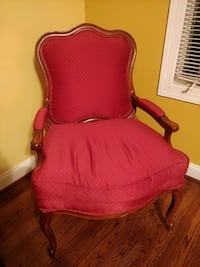 Oversized chair Great Falls, 22066