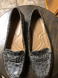 pair of brown leather loafers Bakersfield, 93314