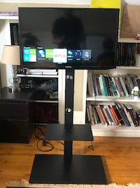 "Samsung 32"" Smart TV with stand/remote (Great Condition)  Somerville, 02143"