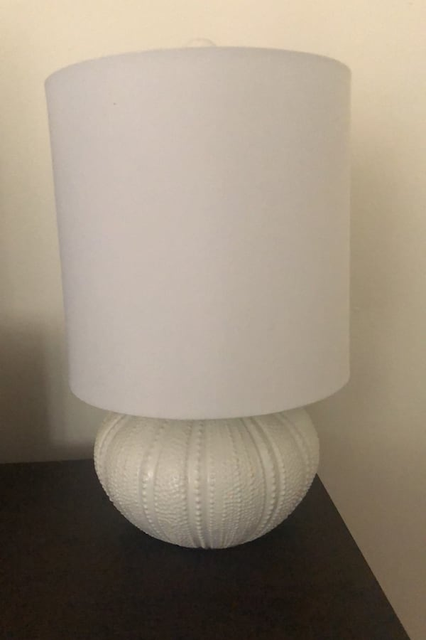 White on white lamps / lights  680f2f6e-ac5e-4170-90bd-3a800874ef97
