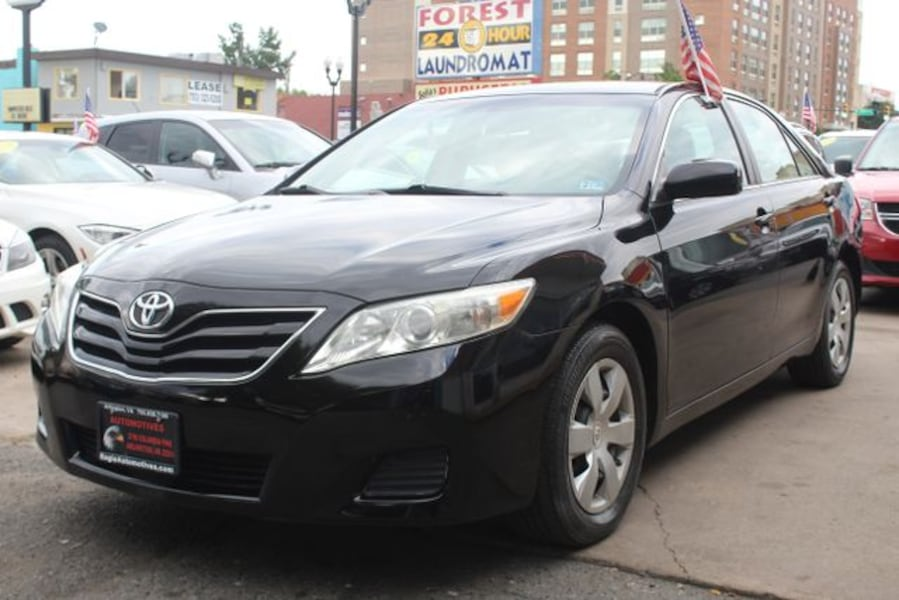 Used 2010 Toyota Camry for sale 1f894378-6eb0-45ef-b773-f8339282c9ea