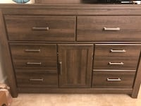 Brown Wooden 4PC Ashley Bedroom Set   Bladensburg, 20710