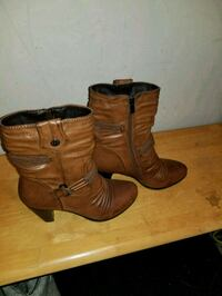 Worn once size 40 (9 or 10)  Edmonton, T6E