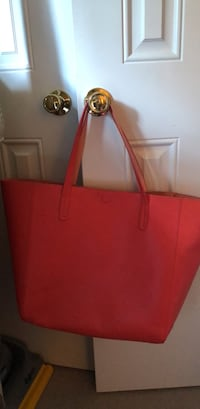 women's red leather tote bag Winchester, 22602
