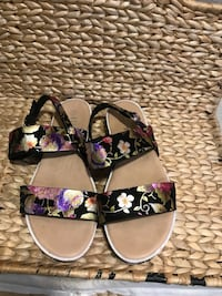 Ladies size 9 sandals  North Las Vegas, 89030
