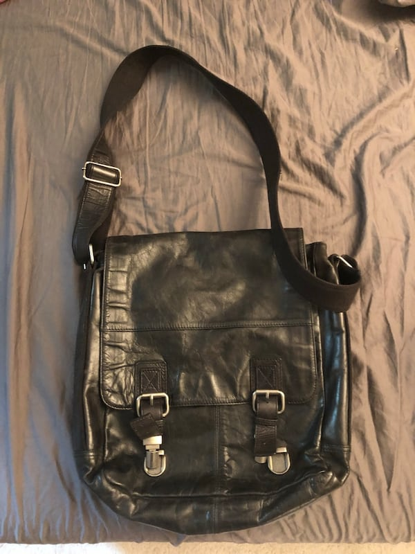 Leather Fossil men's messenger bag 5e15ea15-e87d-4f74-a0a2-26a6a0b44ab0