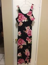 black and pink floral sleeveless dress St Thomas, N5P 3Y2