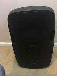 3 black 2000 watt Gemini speakers comes together in a package. Ask me to see more picture if you want it.  ( 3 speakers one has a no disco light and the other two has the disco lights  Lawrenceville, 30044