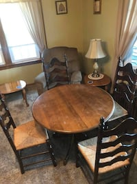 Table and chairs  Lehighton, 18235