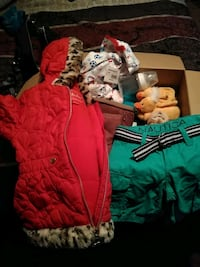 Box full of baby clothes n kid clothes Wichita, 67216