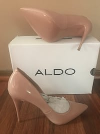 **BRAND NEW** Nude leather platform stiletto with box *OBO* Orland Hills, 60487