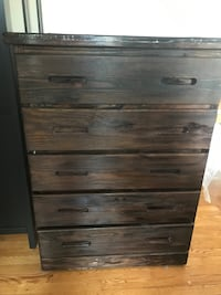 5 drawer wooden dresser Arlington, 22207