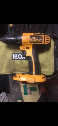 Desalt job radio with built in outlets and battery charger and a 18v dewalt drill Savannah, 31419