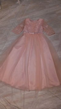 Girls beautiful peachy/pink dress