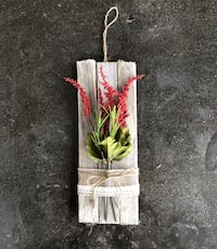 Reclaimed Wood and Flower Decoration  434 mi