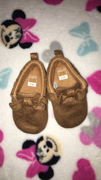 Carter's baby Shoes size 3-6 months
