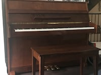 Young Chang upright piano. Model E101 in great condition Oakville, L6K 0G8