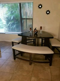 Wood dining table great condition  Clearwater, 33765