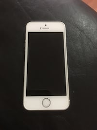 iPhone 5s 32GB Surrey, V3R 1J5