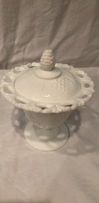 Vintage milk glass covered dish. Excellent condition. Grapes and vine design