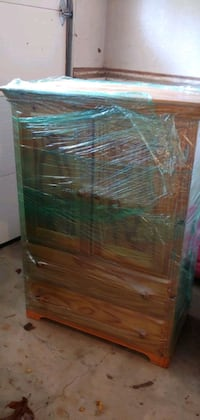 Armoire Good Condition Milford, 06460
