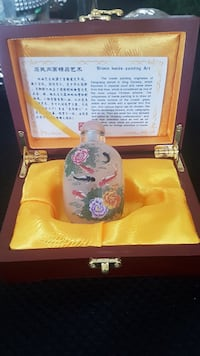Painted Chinese Snuff bottle - brand new Markham, L3S 4H4
